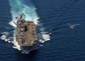 1024px-USS_Peleliu_(LHA_5)_in_South_China_Sea_01