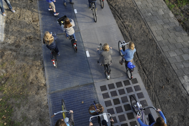 The Solaroad bike path in The Netherlands. Image: Solaroad