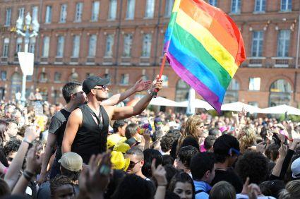 Gay_pride_396_-_Marche_des_fiertés_Toulouse_2011