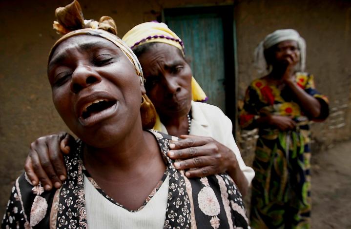 grieving-congo-woman
