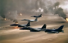 F-16A, F-15C and F-15E flying during Desert Storm. Photo: US Air Force