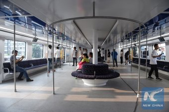 The TEB's interior will hold up to 300 in each carriage. Photo: https://twitter.com/XHNews/status/760473599019016192